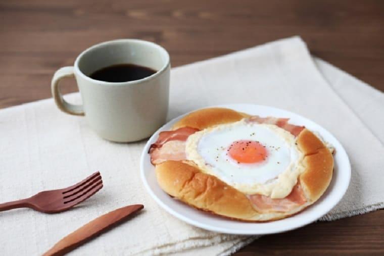 エッグトーストとコーヒー